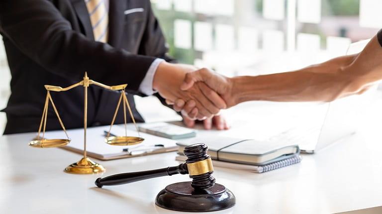 人探し調査を弁護士に依頼できるケースとは